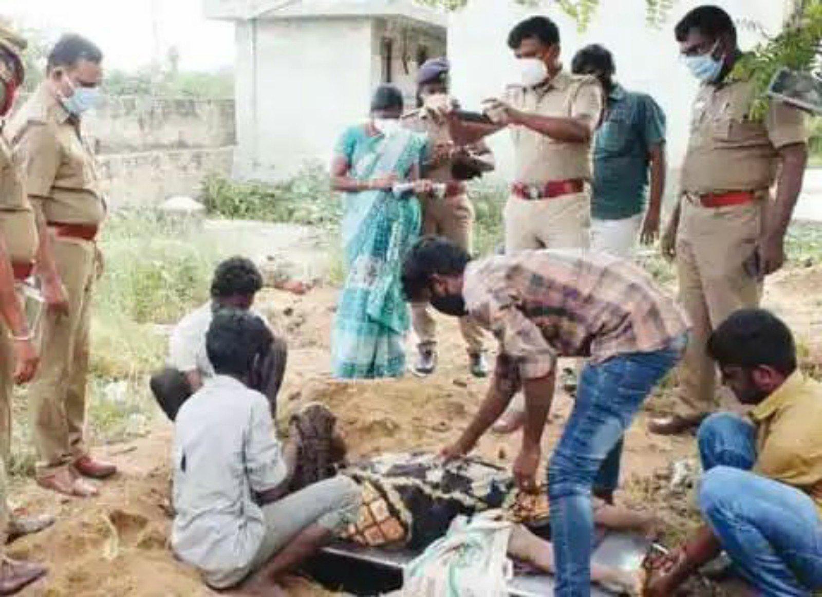 2000 ரூபாய் பணத்துக்காக தாயே அடித்துக்கொன்ற மகன்கள்?